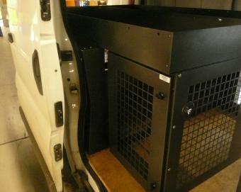 9 equipement trafic renault pour quipage de v nerie r alisation atemis caisse a chien. Black Bedroom Furniture Sets. Home Design Ideas
